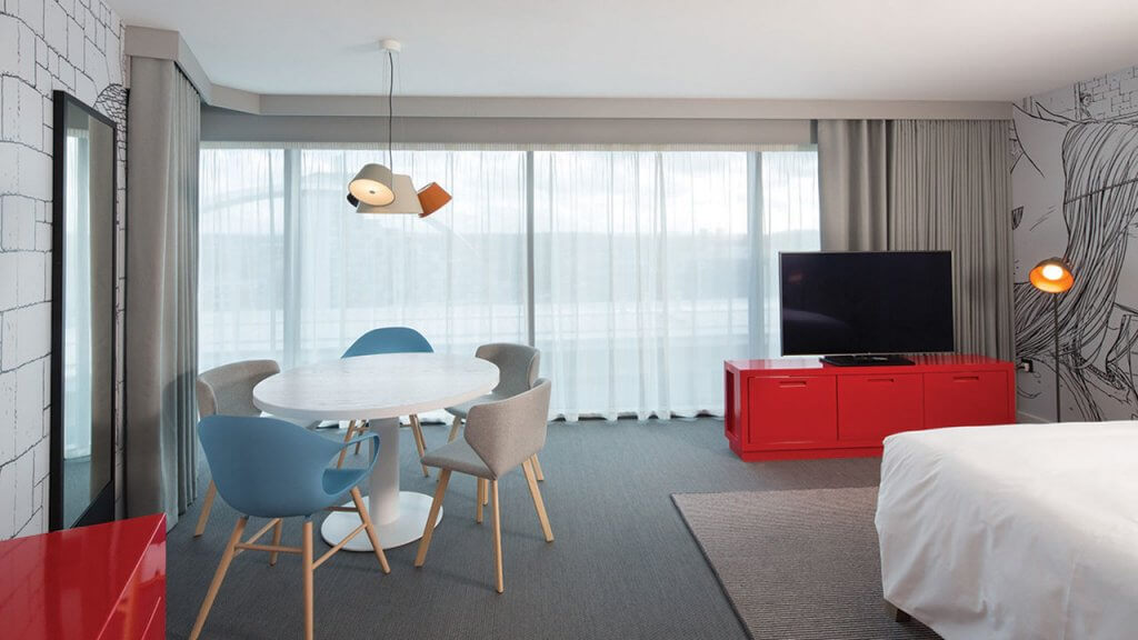 win-an-overnight-stay-for-two-with-breakfast-at-the-new-radisson-red-hotel-in-glasgow