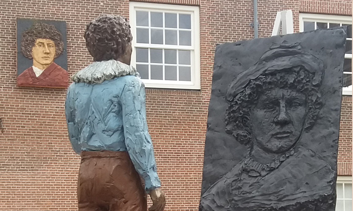 Sculpture by Stephan Balkenhol opposite the site of Rembrandt's birthplace
