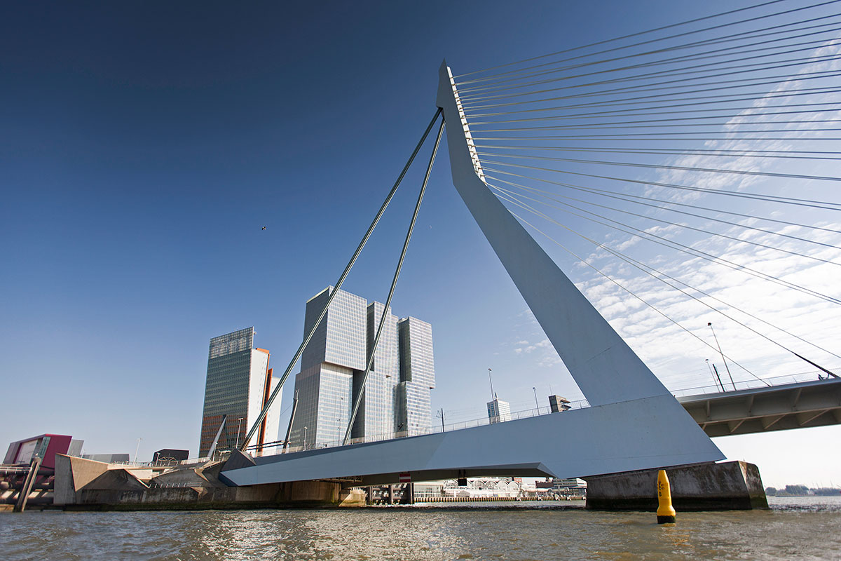 Erasmus Bridge, Photo: Claire Droppert
